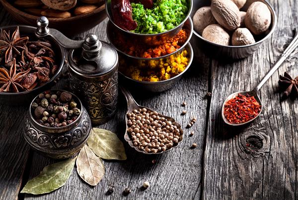 Kräuter & Gewürze in der Ernährungstherapie